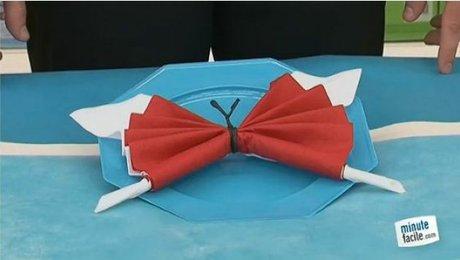 Pliage D Une Serviette En Forme De Papillon Minutefacile Com