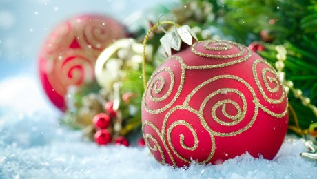 Comment décorer son sapin de Noël ? - Minutefacile.com on