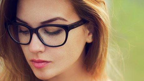bd824bb28041d8 Bien maquiller ses yeux avec des lunettes - Minutefacile.com