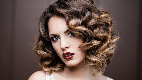 Faire rapidement une coiffure glamour - Salon de coiffure clamart ...