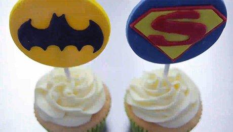 Faire Des Cupcakes Superman Et Batman Recette Simple Et Rapide