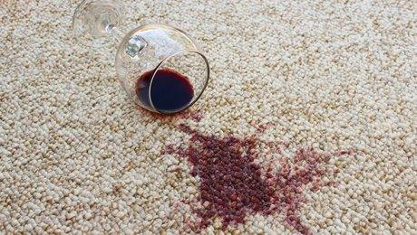 enlever des taches de vin rouge sur une moquette. Black Bedroom Furniture Sets. Home Design Ideas
