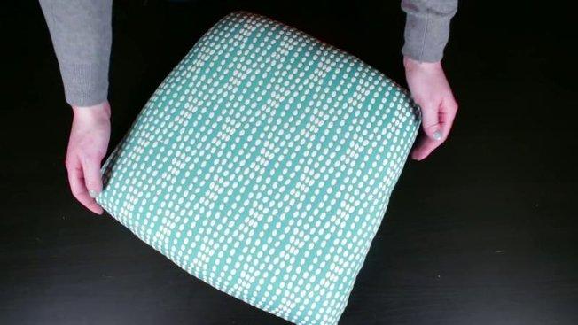 comment r nover une chaise en bois avec rembourrages. Black Bedroom Furniture Sets. Home Design Ideas