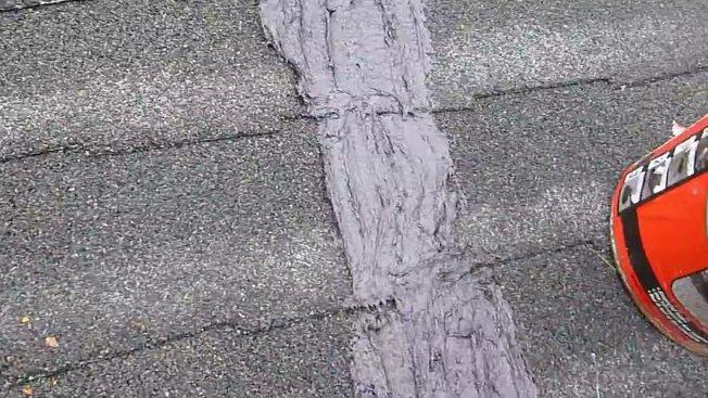 colmater une fuite sur une toiture en bardeaux d asphalte. Black Bedroom Furniture Sets. Home Design Ideas